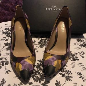 coach smith floral soft leather pumps